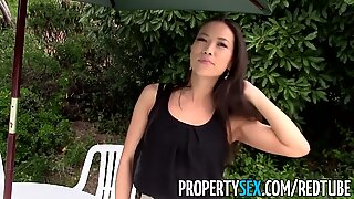 Propertysex - heißer asiatischer Grundstücksmakler selbstständiger Sex