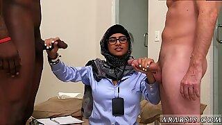 Creamy handjob Black vs White, My Ultimate Dick Challenge. - Mia Khalifa