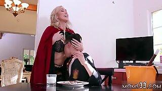 Chubby english milf xxx Halloween Special With A Threesome